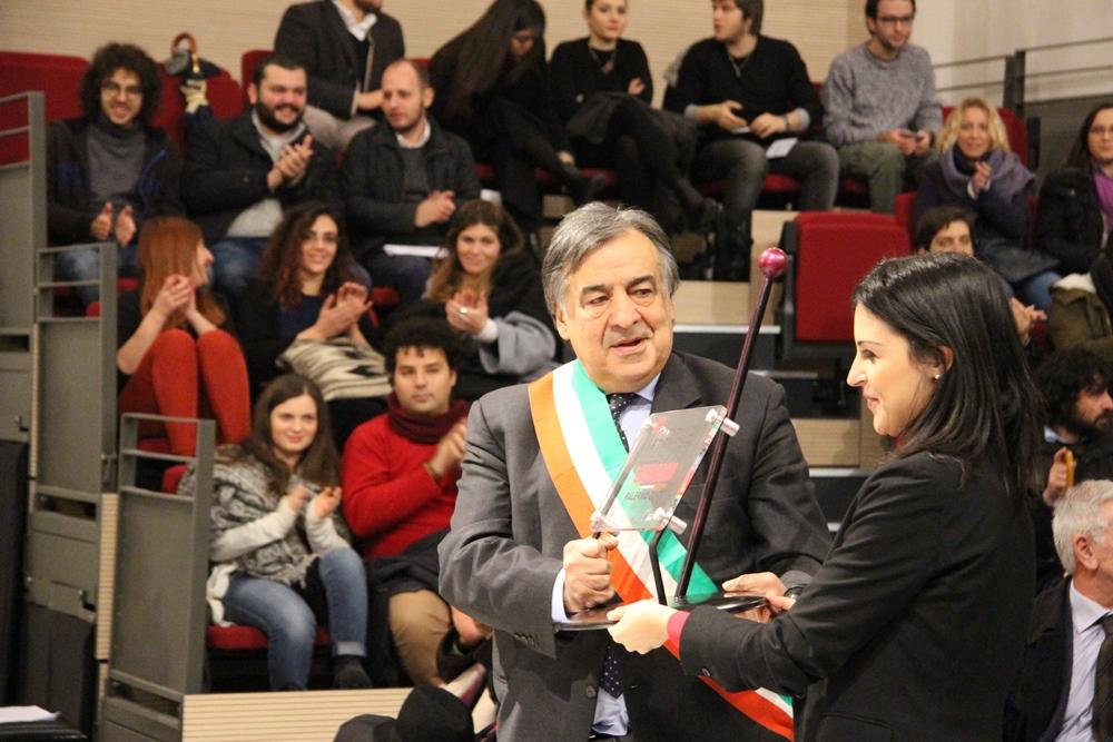 Palermo Capitale dei giovani, non solo applausi per il sindaco Leoluca Orlando