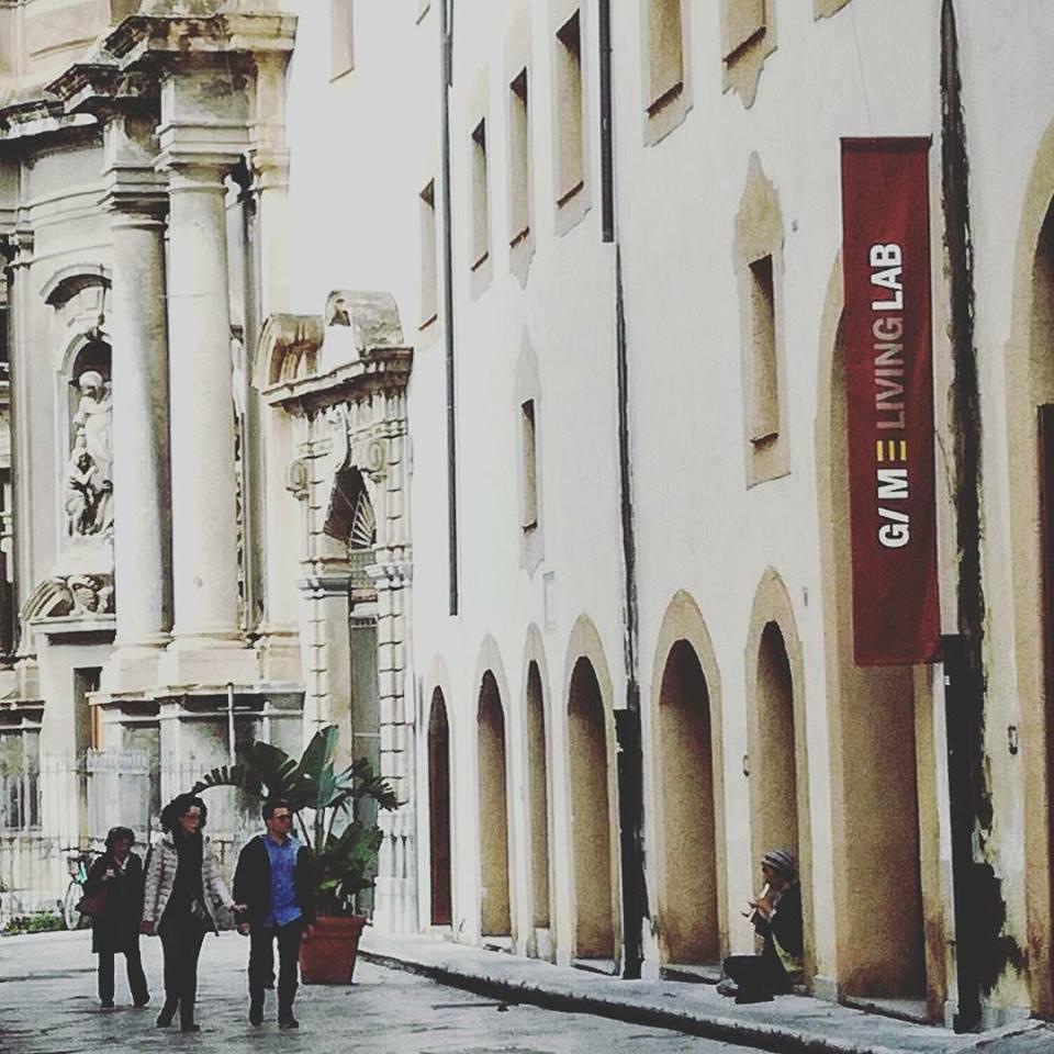 Cronaca di una domenica mattina a Palermo.